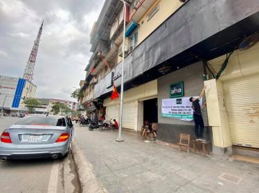 Hàng quán ăn uống đóng cửa, tất cả chuyển sang bán online