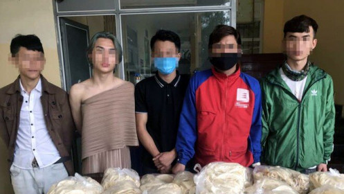 """Hà Nội: Quán bar cho khách """"xõa"""" xuyên đêm giữa mùa dịch đã vi phạm nhiều lần"""