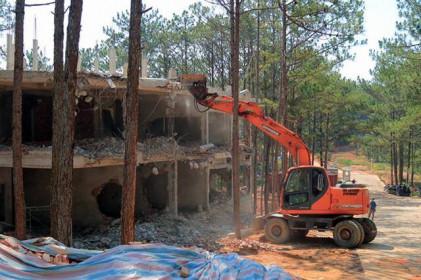 Khách sạn xây trái phép trong rừng Đà Lạt
