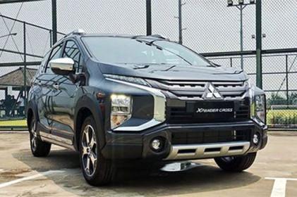 Đối thủ giá rẻ của Mitsubishi Xpander Cross, Toyota Rush về Việt Nam với số lượng lớn