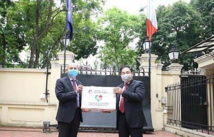 Đại sứ Italy cảm ơn nghĩa cử cao đẹpcủa Việt Nam trong khó khăn chống dịch Covid-19