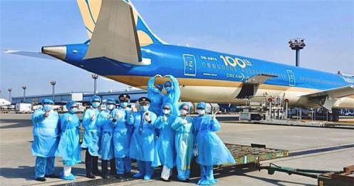 Gần 100 máy bay của Vietnam Airlines ngừng hoạt động