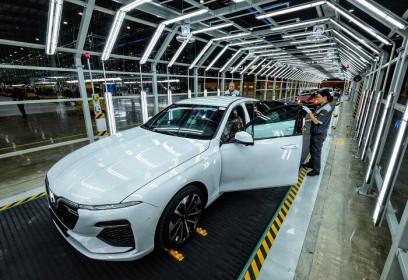 VinFast tạm dừng lắp ráp ô tô từ 6/4, duy trì một số bộ phận để sản xuất thiết bị y tế
