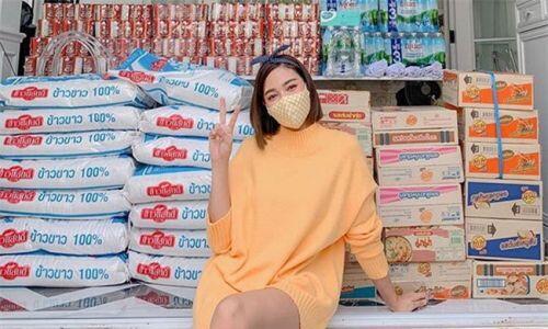 """Sao châu Á hỗ trợ người dân giữa đại dịch: Lee Hyori miễn phí tiền thuê nhà, """"mỹ nhân đẹp nhất Philippines"""" nấu hàng trăm bữa ăn cho đội chống Covid-19"""