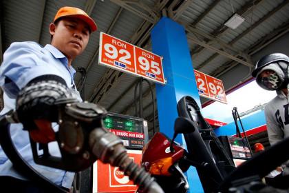 Có nên ngưng nhập khẩu xăng dầu ?