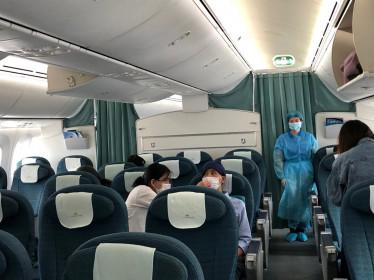Chuyến bay đặc biệt đón 12 công dân Việt 'mắc kẹt' tại Nhật về nước