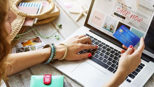 """5 sản phẩm """"đột nhiên"""" bán chạy trên mạng mua sắm trực tuyến mùa dịch Covid-19"""
