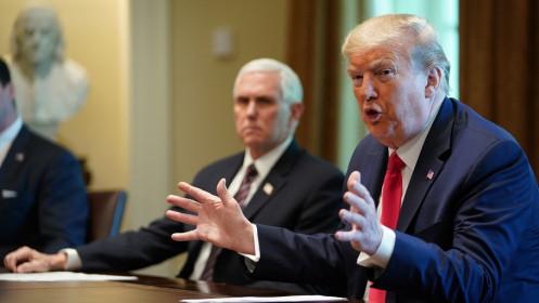 CIA cảnh báo nhân viên không dùng thuốc điều trị Covid-19 được ông Trump quảng bá