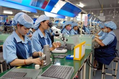 Ngân sách chia sẻ 2,5% GDP để hỗ trợ doanh nghiệp, người dân vượt 'bão' Covid-19