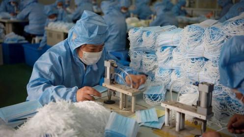 Bên trong thế giới 'cầm vali tiền canh nhà máy' ở Trung Quốc