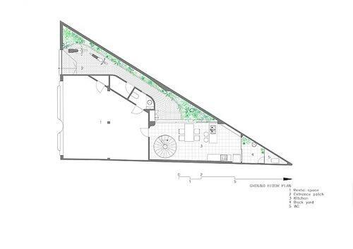 Ngôi nhà 20 năm tuổi trên mảnh đất hình tam giác