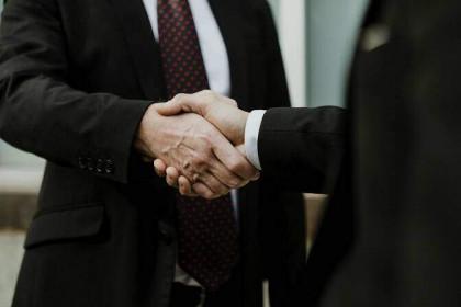 Lãnh đạo mua bán cổ phiếu: Các giao dịch lớn tại HHS, HPG và ANV
