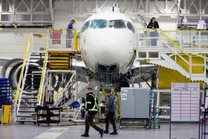 Boeing, Airbus vạch kế hoạch sinh tồn giữa bão khủng hoảng Covid-19