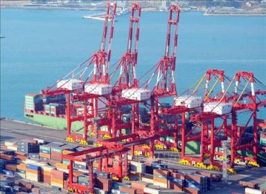 Hàn Quốc thâm hụt thương mại 950 triệu USD trong tháng 4