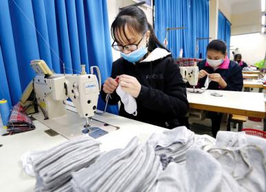 Gỡ lúng túng cho doanh nghiệp xuất khẩu dệt may