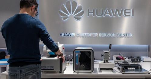 """Mỹ tiếp tục """"giáng đòn"""" mới chống lại Huawei"""