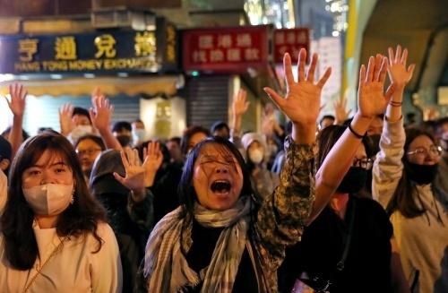 Luật an ninh Hong Kong 'đổ dầu vào lửa' Mỹ - Trung