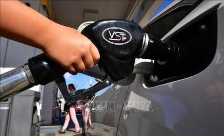 Giá dầu thế giới tăng hơn 2% phiên đầu tuần 15/6