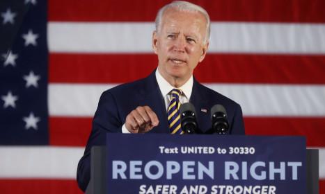 Biden lo giẫm 'vết xe đổ' của Hillary Clinton
