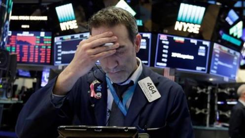 Dow Jones giảm 500 điểm sau khi Texas ngừng quá trình tái mở cửa kinh tế