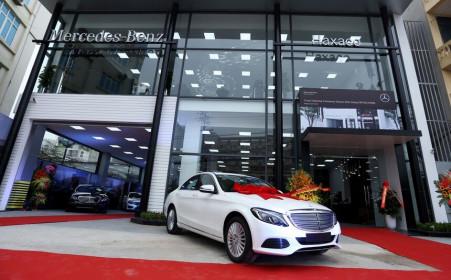 Vợ Tổng giám đốc Ô tô Hàng Xanh (HAX) đăng ký mua 1 triệu cổ phiếu