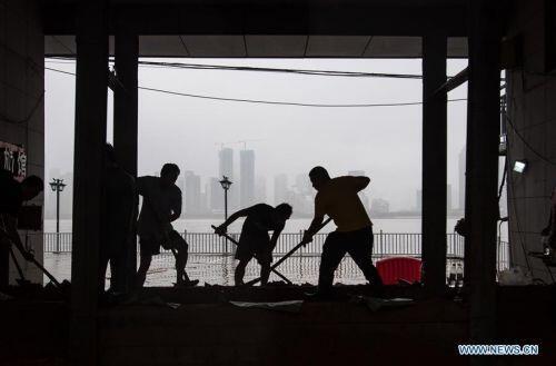 Trung Quốc: Vũ Hán nâng cảnh báo mưa lũ lên cấp 2