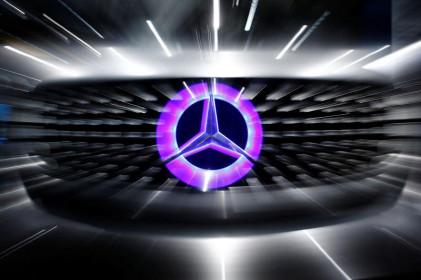 Chứng khoán châu Âu biến động trước cuộc họp thượng đỉnh EU, Daimler tăng mạnh