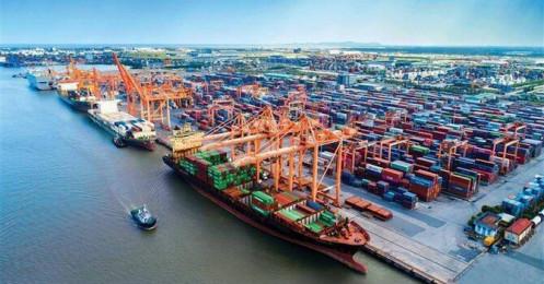 Tiếp tục xuất siêu mạnh, cán cân thương mại của Việt Nam thặng dư kỷ lục