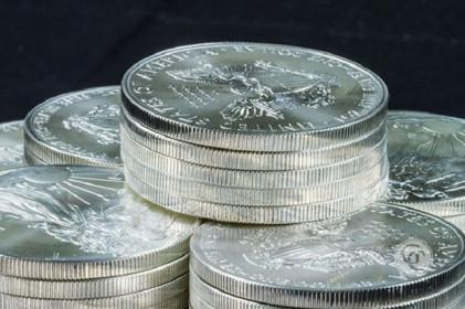 Theo chân vàng, giá bạc chạm đỉnh cao kỷ lục trong 7 năm qua