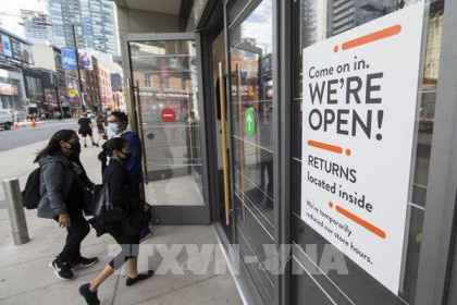 Đại dịch COVID-19 kích hoạt làn sóng đầu tư vào thị trường chứng khoán Canada