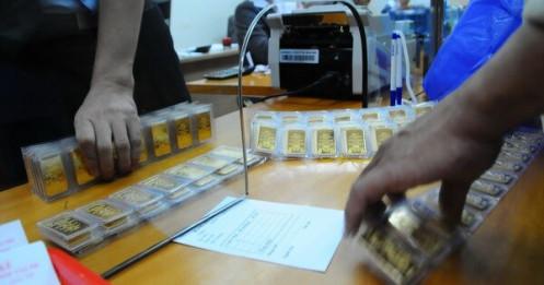 Vàng miếng 57,9  triệu đồng/lượng, vàng nhẫn hụt hơi