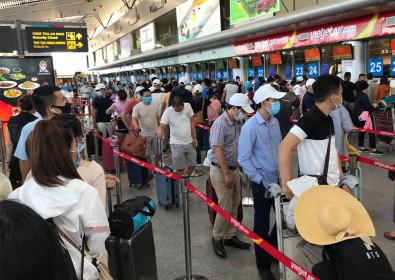 Gần 1.700 du khách Hà Nội và TPHCM còn mắc kẹt tại Đà Nẵng