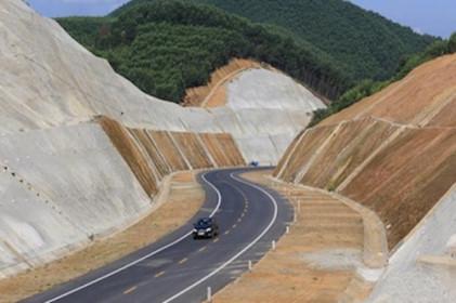 Ba dự án cao tốc Bắc-Nam được chuyển đổi sang đầu tư công hút nhà thầu tham gia