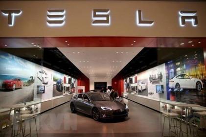 Cổ phiếu Tesla vượt mốc 2.000 USD trước thềm đợt phân tách cuối tháng Tám