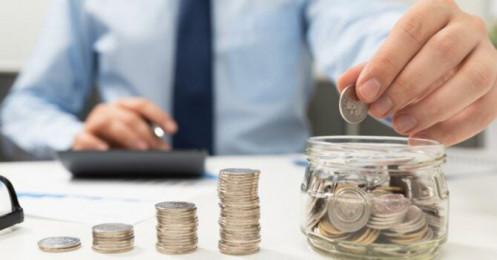 Người lao động bị trừ những khoản tiền nào khi nhận lương?