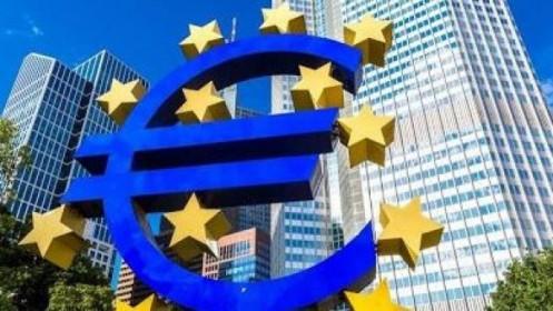 Loại Ba Lan và Hungary, ECB có thể tung ra các biện pháp kích thích kinh tế 500 tỷ Euro