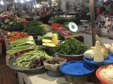 Giá thực phẩm hôm nay 7/12: Giá rau củ tiếp đà giảm nhẹ
