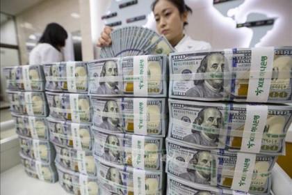 Bloomberg: Không ngân hàng trung ương lớn nào ở phương Tây dự kiến tăng lãi suất