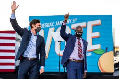 Đảng Dân chủ giành hết hai ghế Georgia, rộng đường kiểm soát Thượng viện