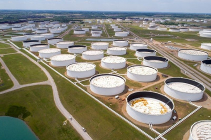 Giá dầu giảm do lo ngại dấy lên về số trường hợp nhiễm COVID 19 ở Trung Quốc gia tăng