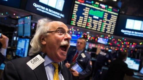 Bất chấp dữ liệu kinh tế đáng thất vọng, giới đầu tư vẫn tin tưởng ông Joe Biden