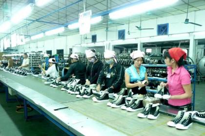 Xuất khẩu da giày, túi xách năm 2020 giảm 2 tỷ USD