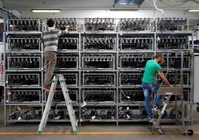 Máy đào Bitcoin sẽ khan hiếm suốt năm nay