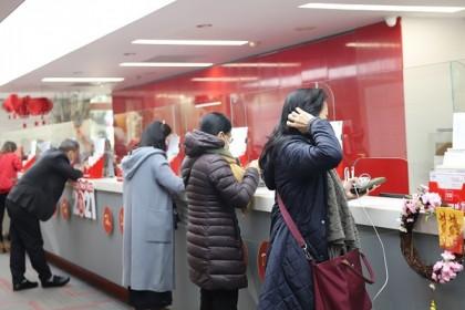 Áp lực bán tiếp tục dâng cao, VN-Index giảm hơn 29 điểm