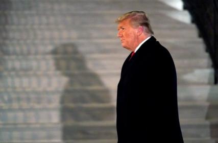 Ông Trump bị Iran giáng lệnh trừng phạt trong ngày cuối cùng làm Tổng thống