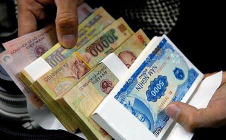 Đổi tiền lẻ Tết tràn lan chợ mạng: Cẩn trọng sập bẫy tiền giả