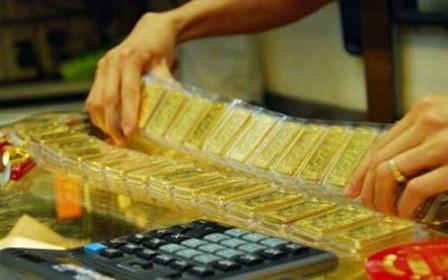 Giá vàng hôm nay 3/2: Hết hiệu ứng lạ, vàng tụt giảm