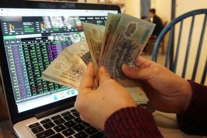 """Tin khống chế được dịch, nhà đầu tư """"ôm"""" cổ phiếu qua Tết chờ… lộc lớn!"""