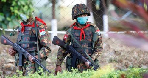 Quân đội Myanmar yêu cầu các nghị sĩ rời thủ đô trong vòng 24h