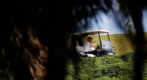 Tận hưởng ánh nắng Florida, ông Trump sống vui hơn, chẳng lo vụ luận tội